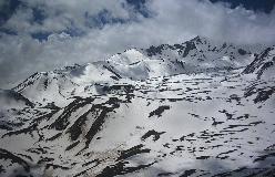 Ukendte bjerge ovenfor Alvarez i Sabalan massivet.
