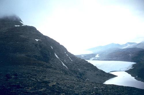 Fra Sälkas plateau halvvejs oppe får man overblik over gletscherne mod øst