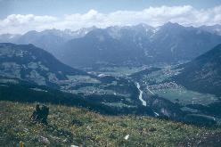 Vandring på Forchheimer Weg ovenfor  Inntal, Østrig
