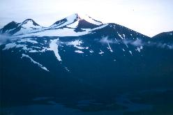 Midnatssol på Kåtotjåkka i  den nordlige del af Kebnekaisefjeldene