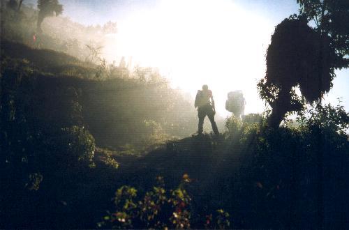 En tidlig morgen på vej mod Lamjura Pass