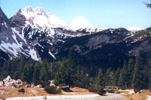 Udsigten videre op gennem dalen set fra terrassen på Reintalangerhütte