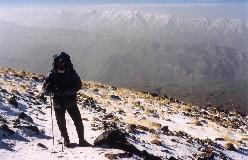 Alborz bjergkæden har henved 70 bjerge af over 4000 meters højde