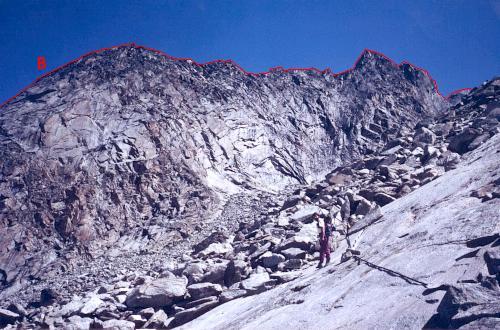 Mammouth SE-væg set fra Cabane du Mountet.
