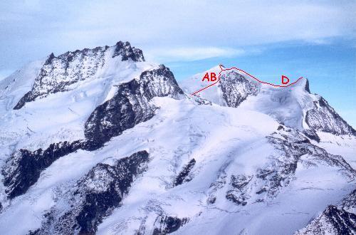 Strahlhorn, flankeret af Rimpfischhorn og Adlerhorn, set fra Oberrothorn