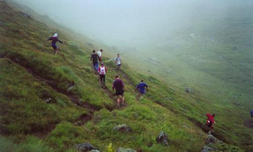 Nedstigningen til bjergbækken Chenna to km før mål.